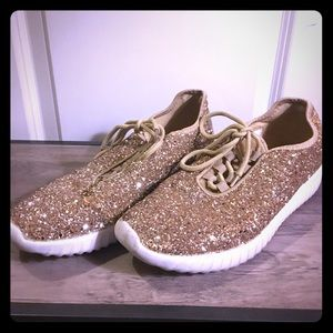 GLAM GLITTER GOLD FASHION SNEAKERS!!!!